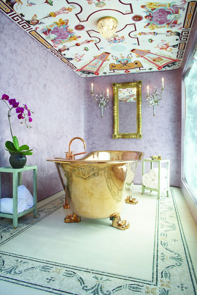 dreamy-bathtubs-jessica-hall-golden-bathtub