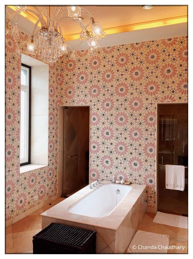 sujan-raj-mahal-palace-maharani-apartment-bathroom