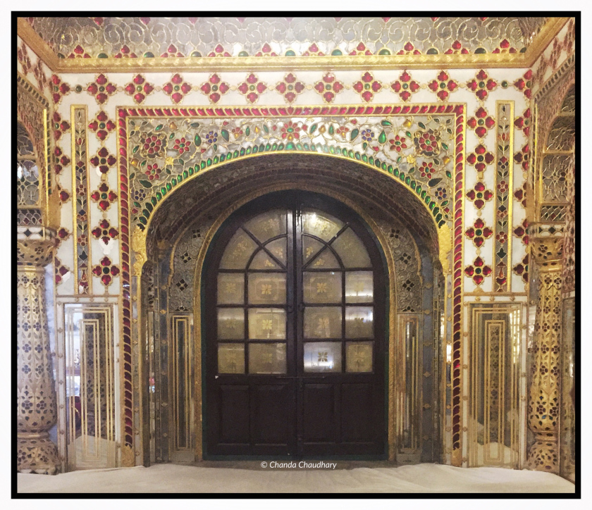 chandra-mahal-walls-decoration-enamel-style