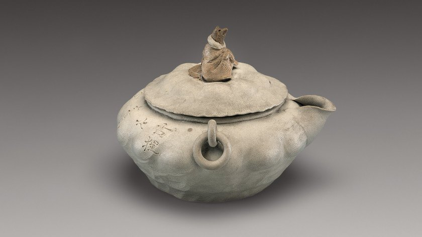 eccentric-teapot-ancient-japanese-teapot-from-edo-period-2